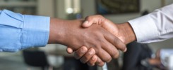 working together, handshake, copywriter expectations
